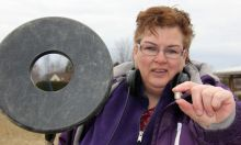 urn woman detectorist