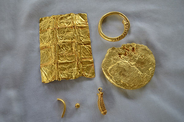gold hoard treasure thailand