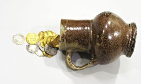 silver-gold-coin-hoard-treasure-metal-detecting Lindsifarne Hoard
