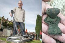 rare roman brooch detected with metal detector xp deus