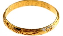 metal detector unearthed gold ring