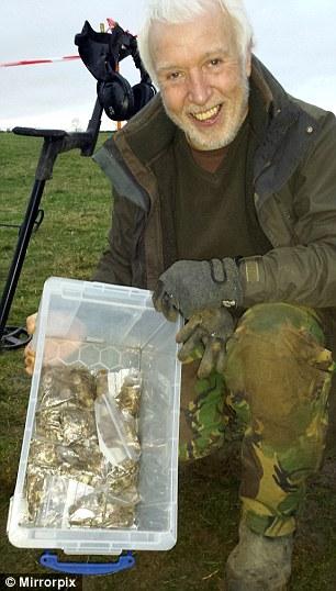 buckinghamshire hoard xp deus metal detector