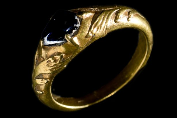 Medieval  gold ring treasure trove