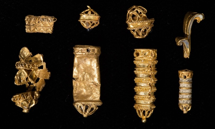 Tudor Treasure hoard in Thames