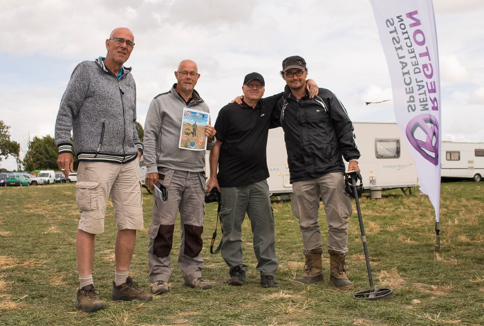 metal-detectorists-rally