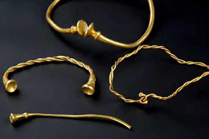 bronze-age-gold-artefacts